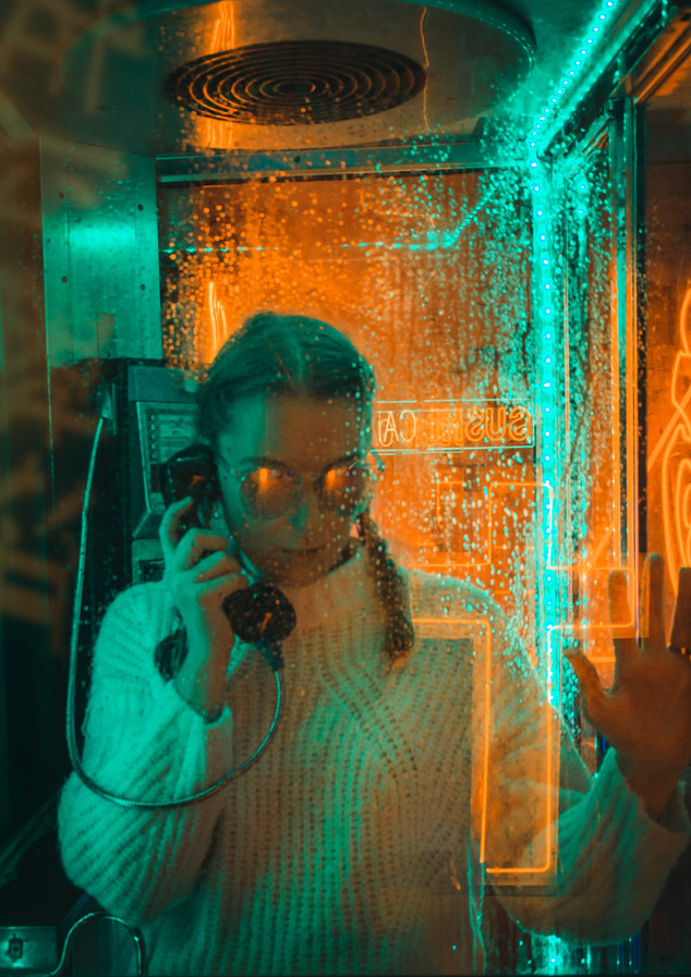 Neon photoshoot - girl phone evil
