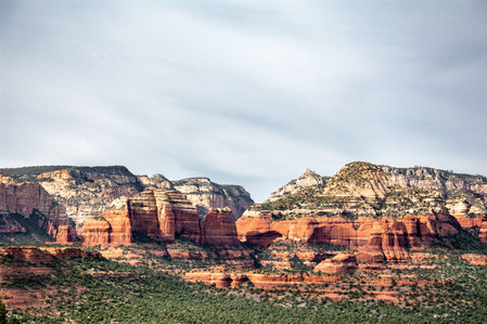 Red hills and rocks in Sedona Arizona roadtrip