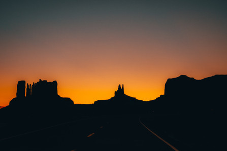 Monument Valley Western photoshoot USA road