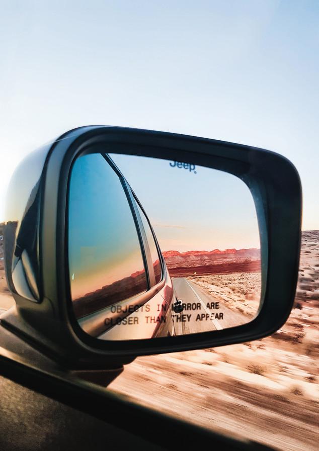 mirror view on desert jeep renegade