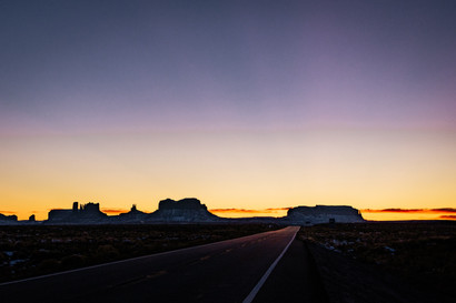 driving towards monument valley road view