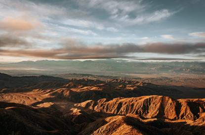 Sunrise in the Joshua tree valley