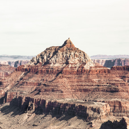 Grand Canyon - Photographing on The Edge of a Cliff