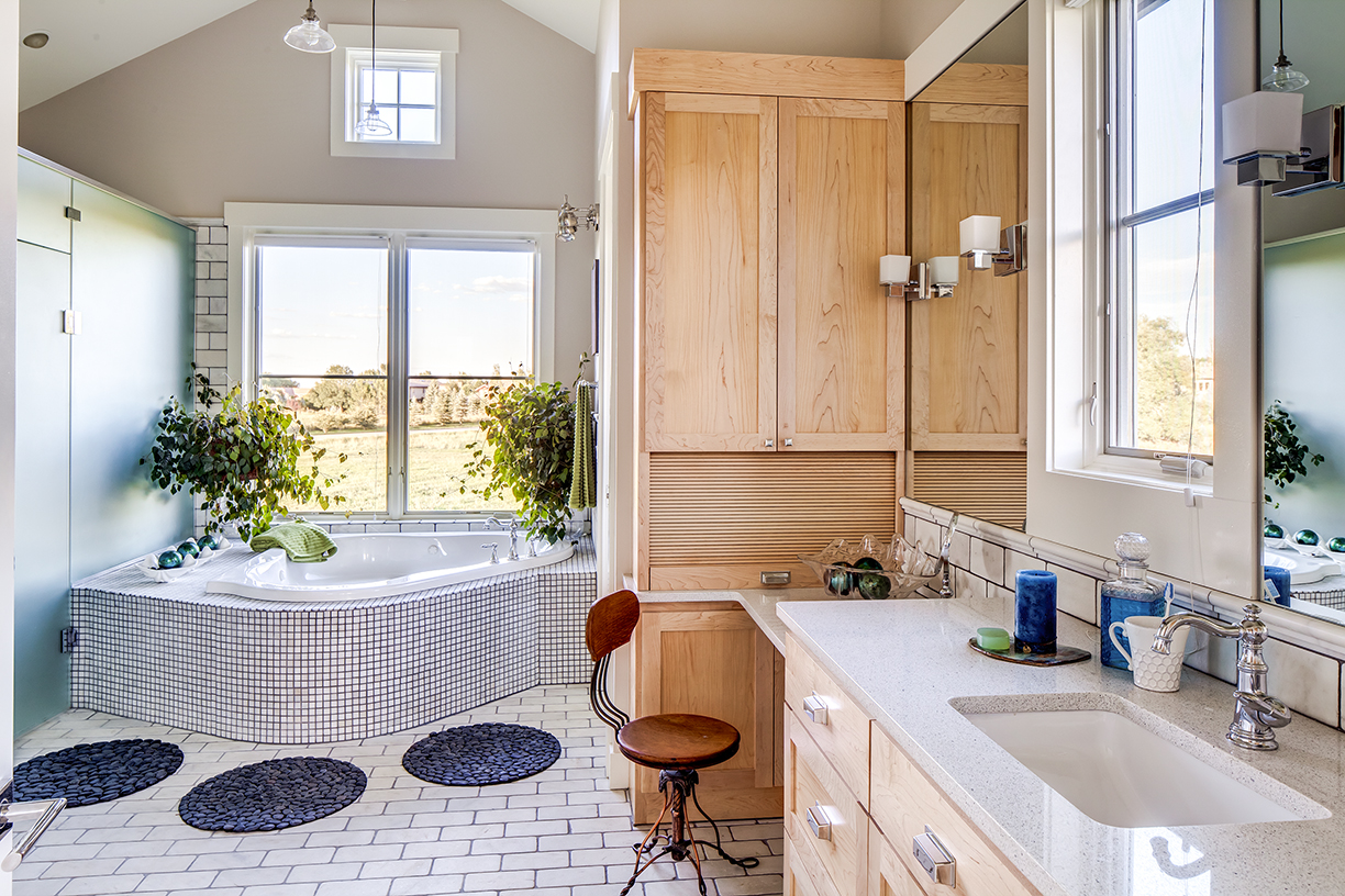 Master Bathroom - Copy.jpg