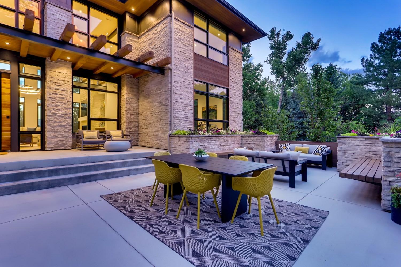 Front courtyard, Modern Prairie