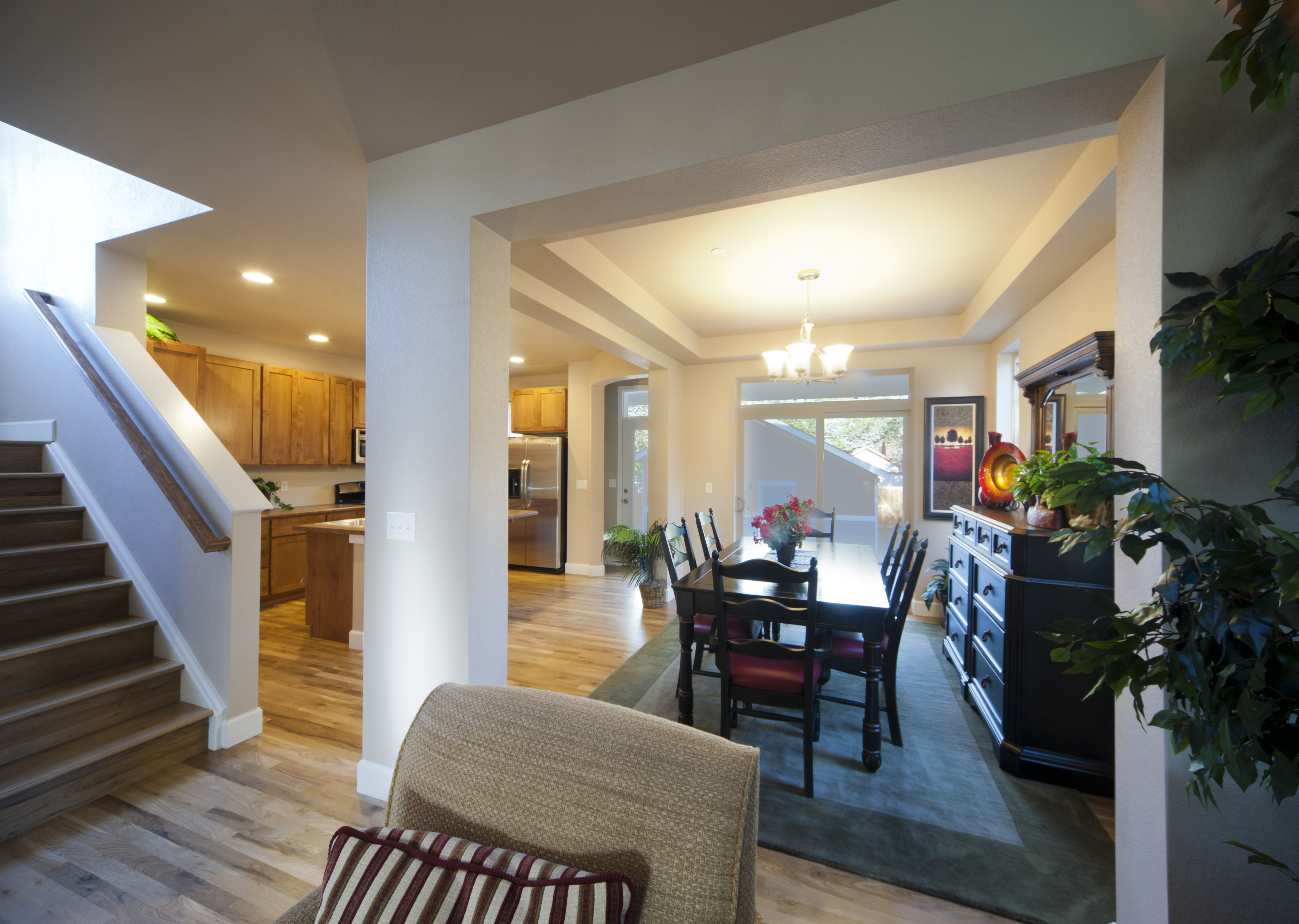 1275clermont-dining