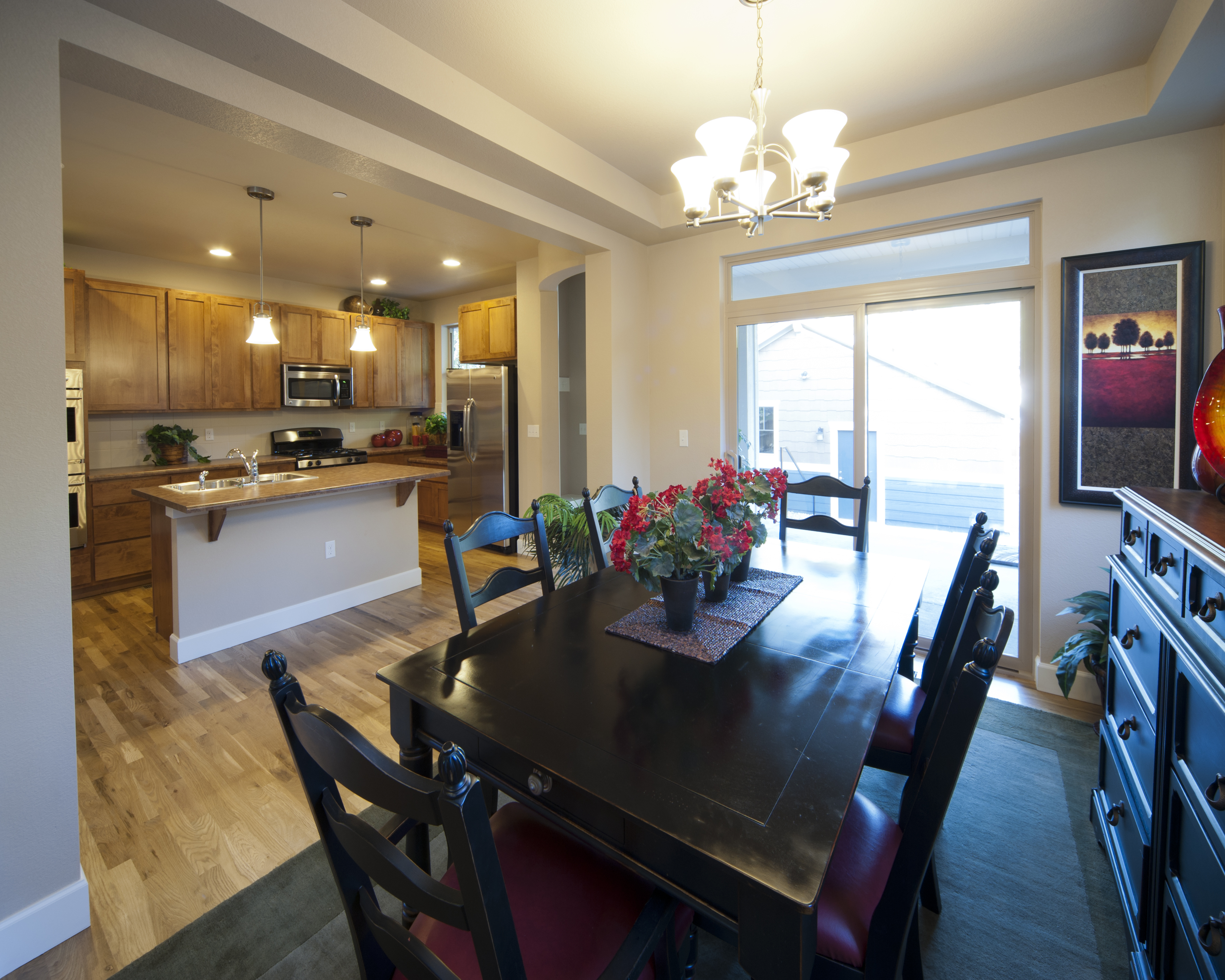 1275clermont-dining2
