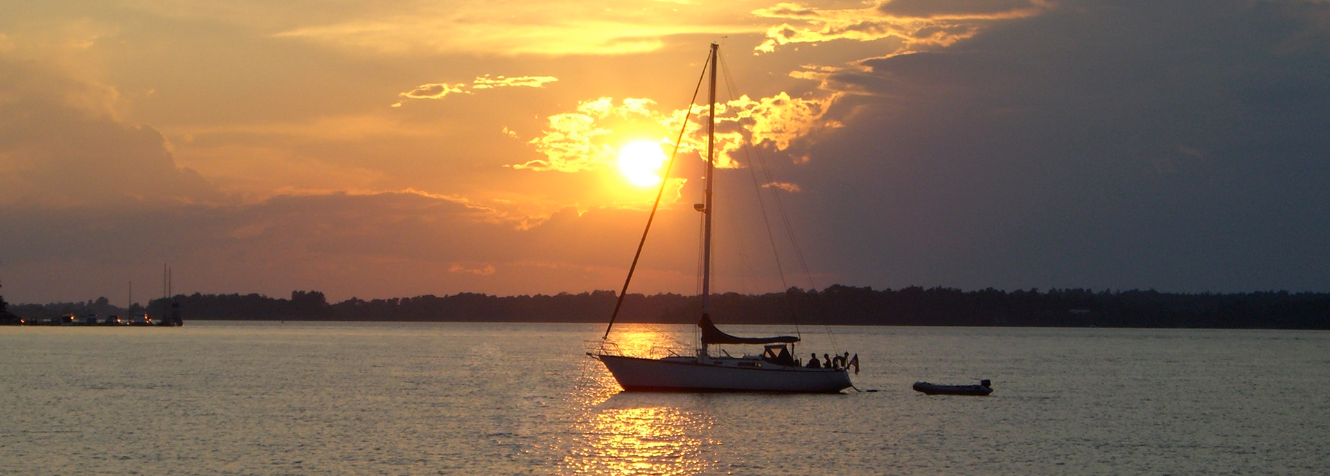 sailboat-at-sunset-1920x1200_edited.jpg