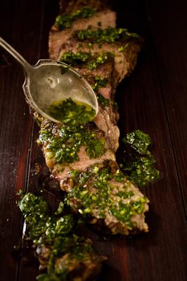 skirt steak and chimichurri sauce