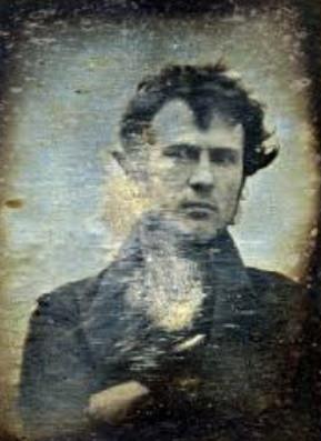 רוברט קורנליוס מצלם את הסלפי הראשון בהיסטוריה (1863)
