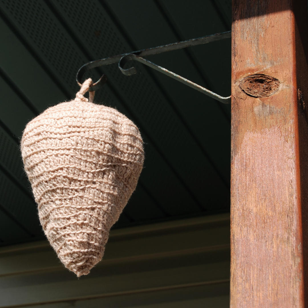 Faux wasp nest
