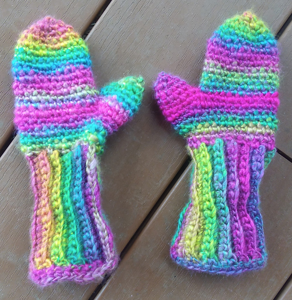 Foldover Gloves pattern by Brittique