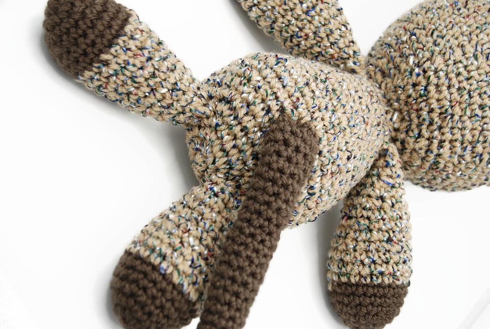 Back of crochet cat