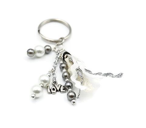 White beaded tassel keychain