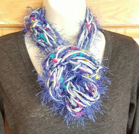 blue knit infinity scarf (1).png