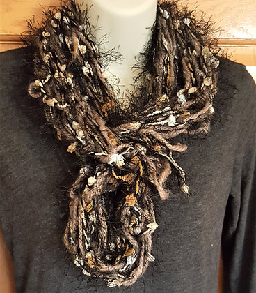 Black and tan womens knit scarf