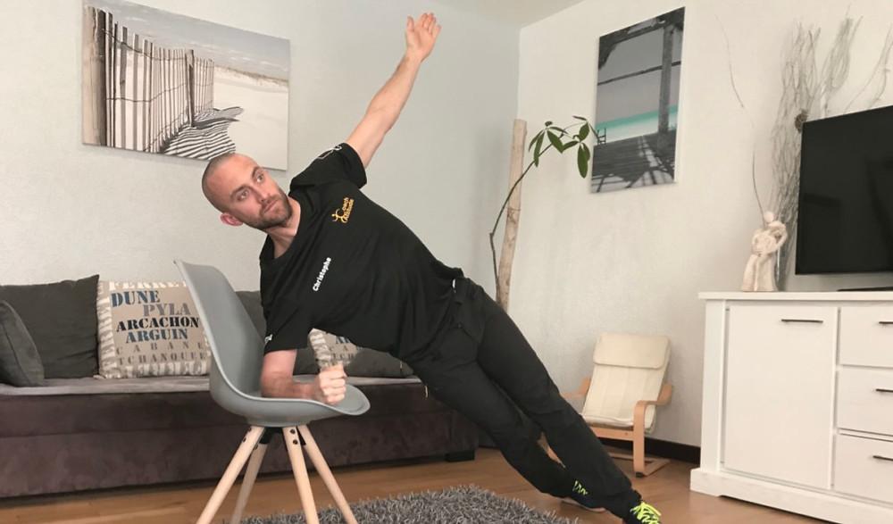 """Gainage latéral """" étoile """" sur chaise"""