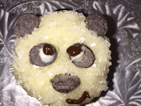 Mark it with an E: Put Me in the Zoo Panda Cupcakes