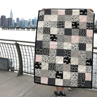 black and white quilt 1.jpg