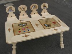 Tisch und 4 Stabellen
