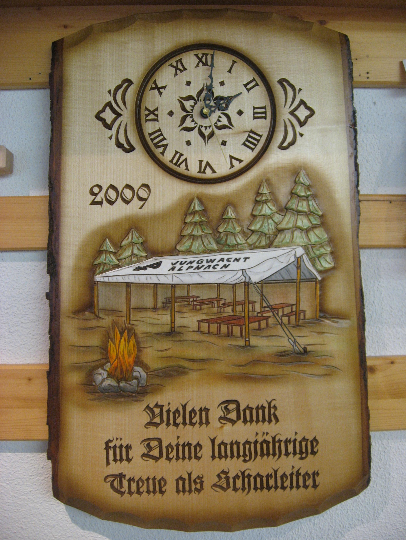 Tafel mit Uhr, Vereinsmotiv