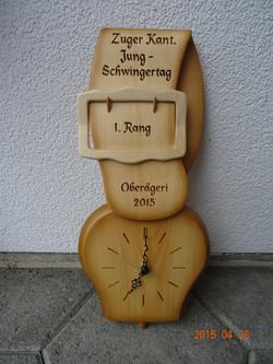 Glockenuhr mit aufgesetzter Schnalle klein