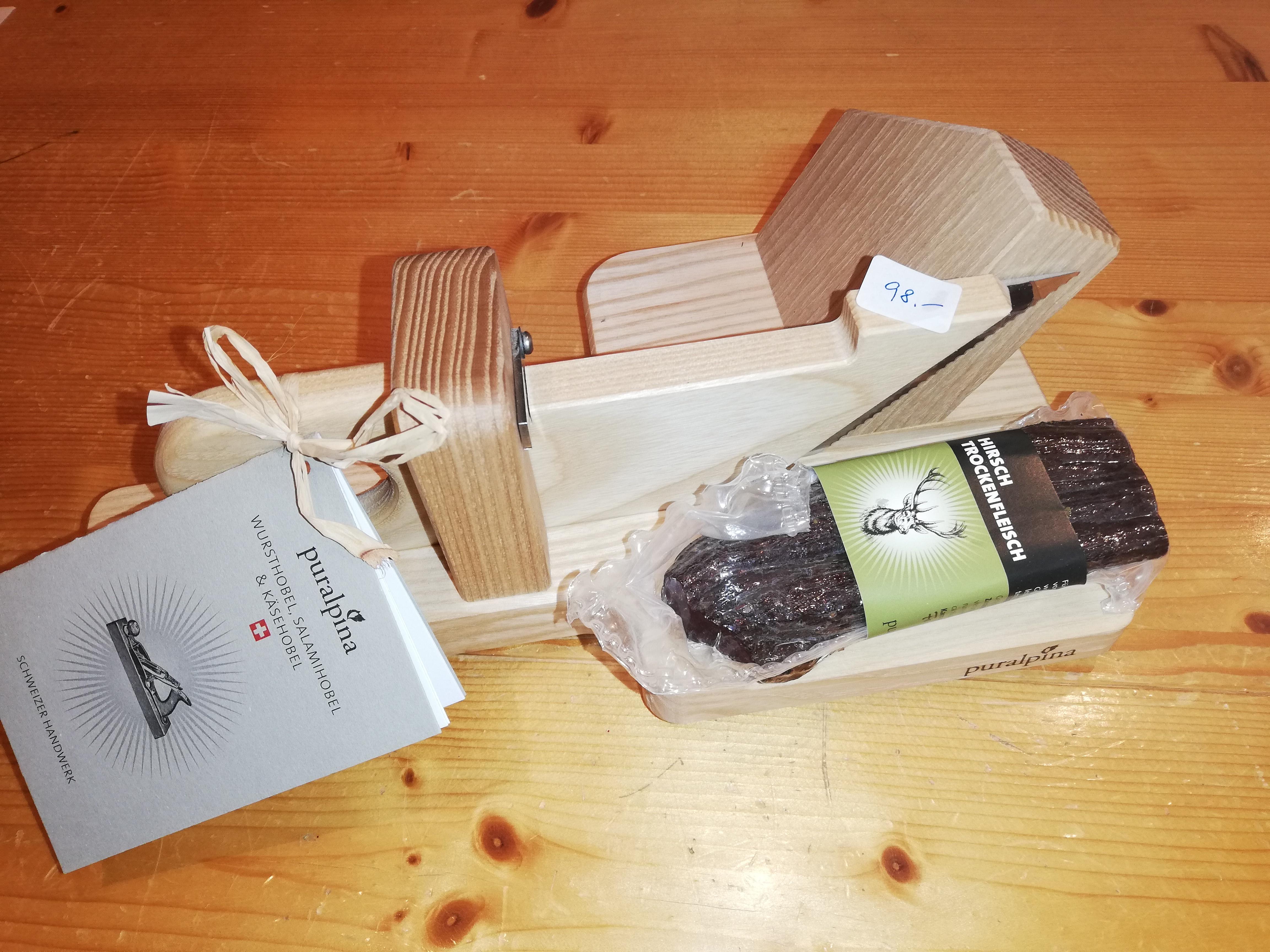 Wursthobel, Eschenholz, mit Wildwurst