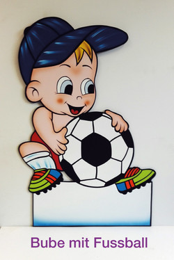 Bube mit Fussball
