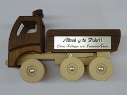 Holz-LKW mit Gravur