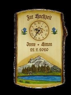 Tafel mit geschnitztem Landschaftsbild