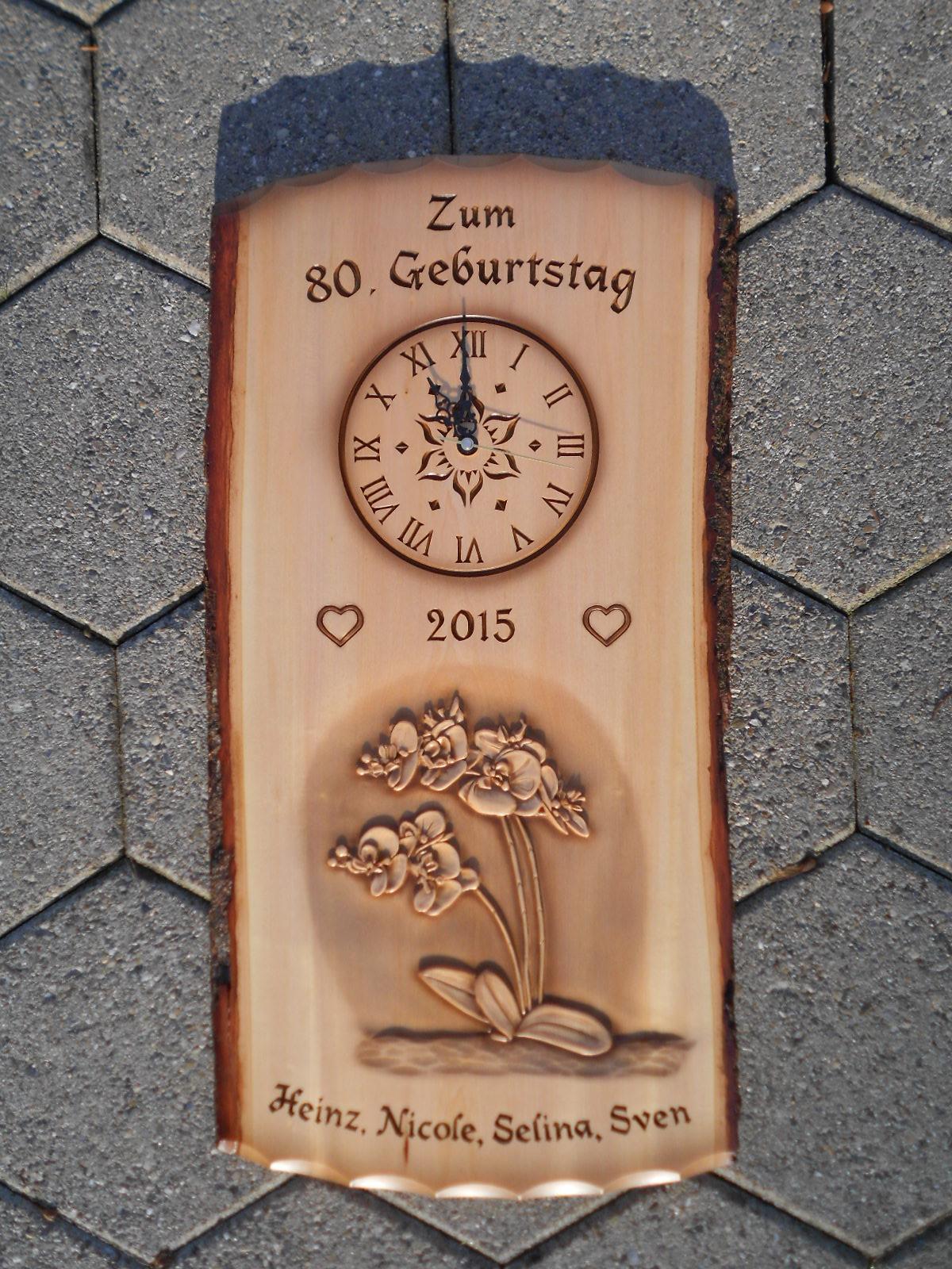 Tafel mit Uhr, Orchideen