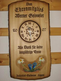 Tafel mit Uhr, Blumenmotiv farbig