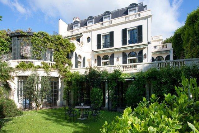 villa montmorency.jpg