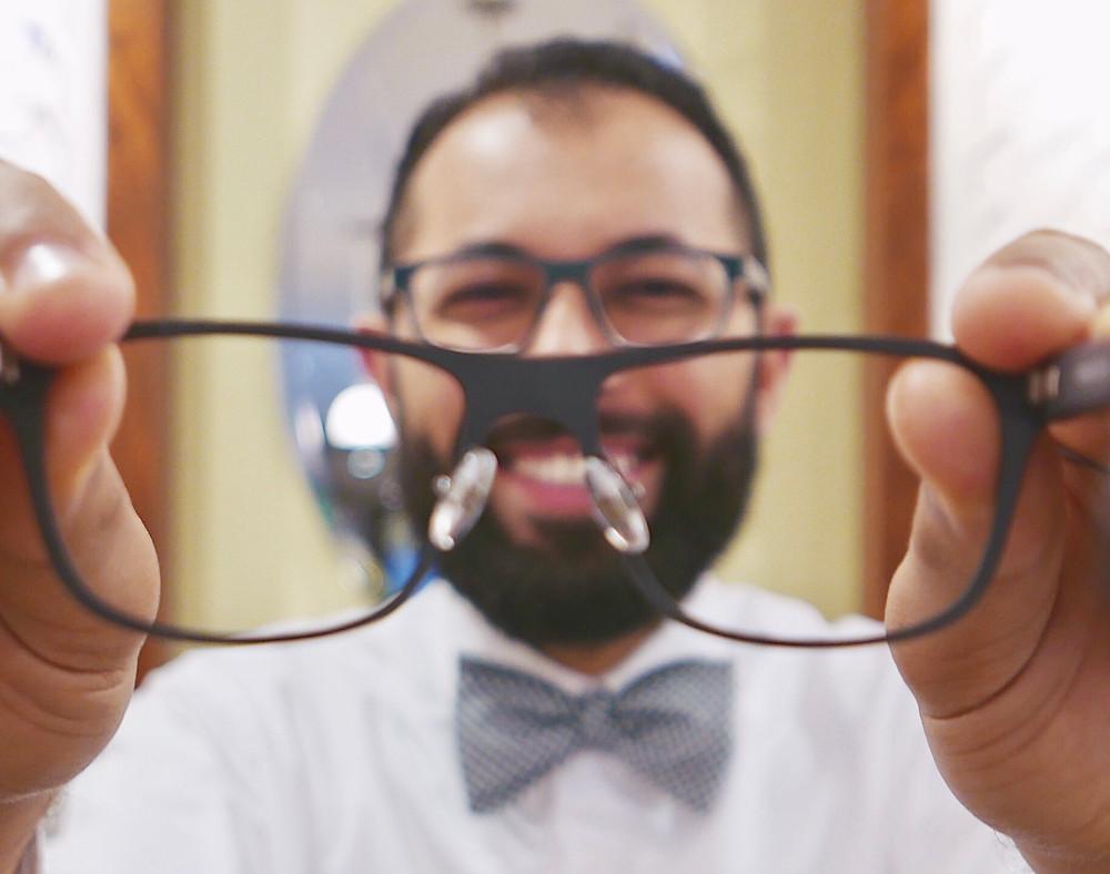 Oliver Torres.  Optician.  Eyewear Sommelier.