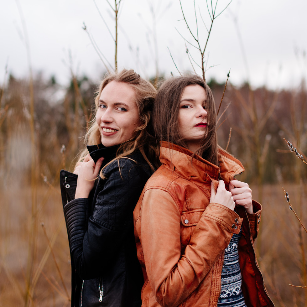 Laura ir Lina