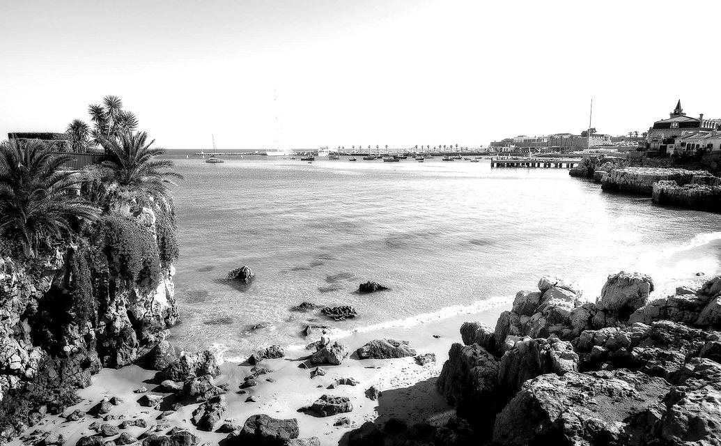 Praia-da-Rainha-Cascais-Portugal-sunny-w