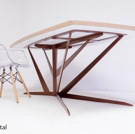 Plateau de table stratifier et alaise Chêne pour une magnifique pied en acier signé rouge métal