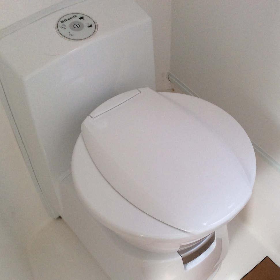 Dometic Cassette Toilet.jpg