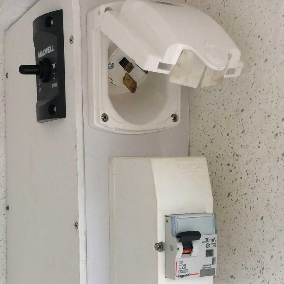 240 V Power Inlet.jpg