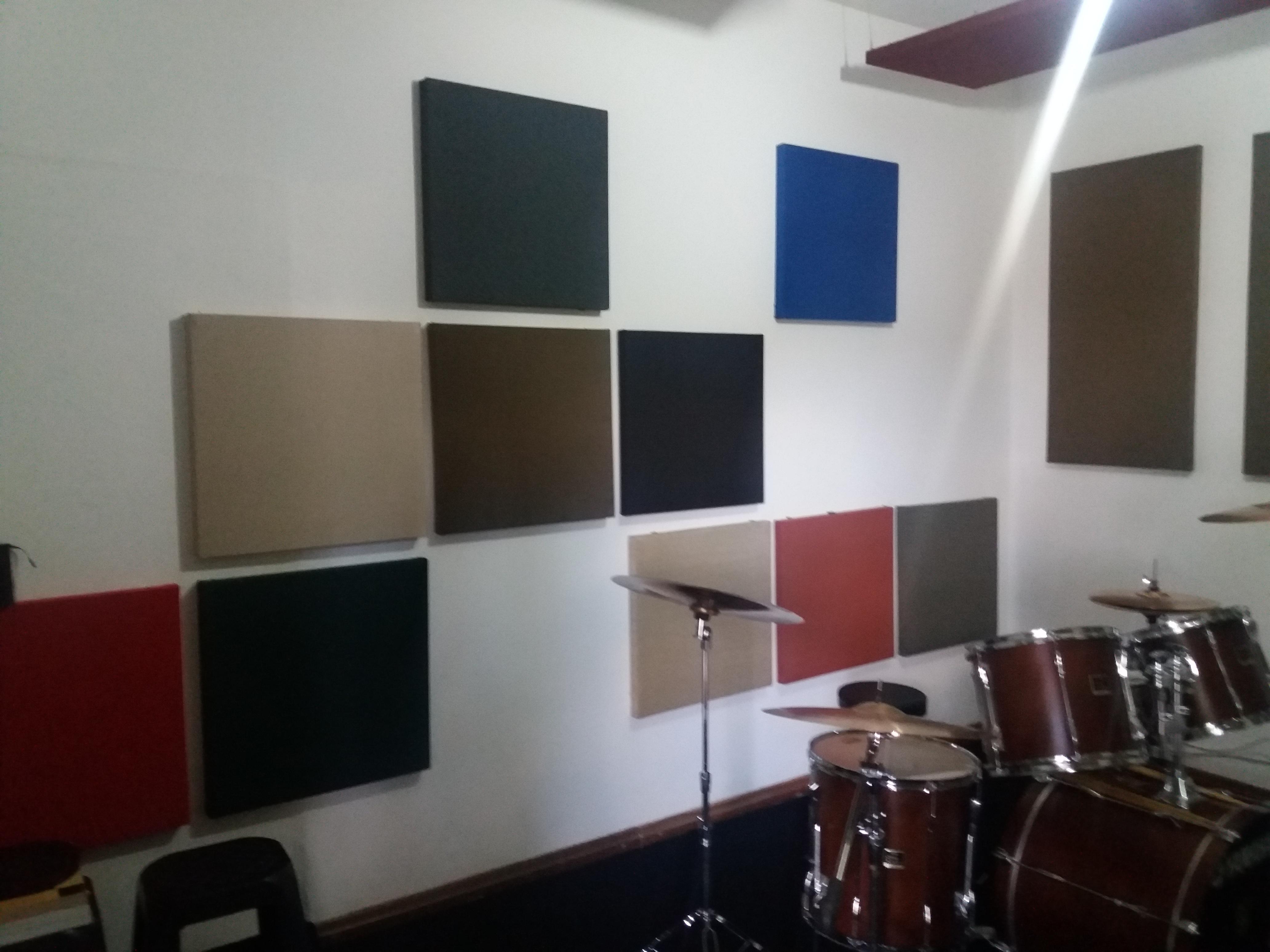 Tira Eco nas paredes
