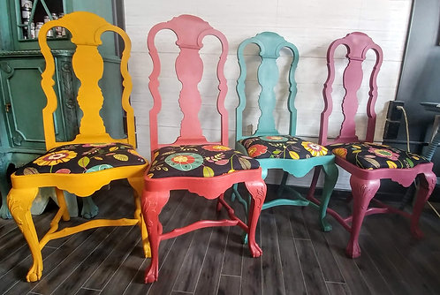 4 Chairs, 4 Colours, 1 Fabric