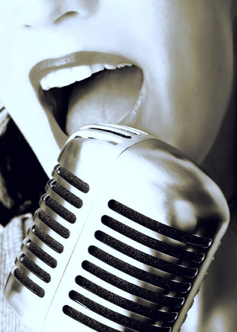 Retro Singer_edited_edited.jpg