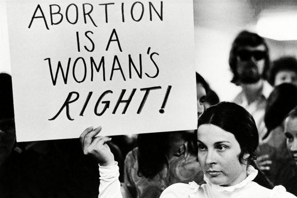 φωτογραφία από διαμαρτυρία για τις εκτρώσεις