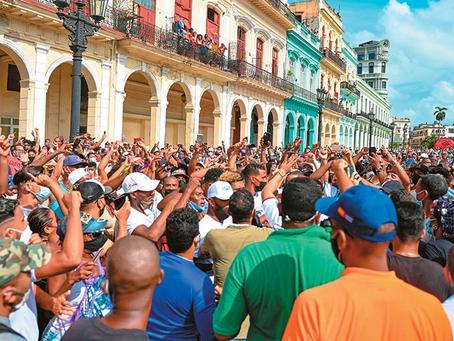 Οι Διαδηλώσεις στη Κούβα και το Αίτημα για «Cuba Libre»