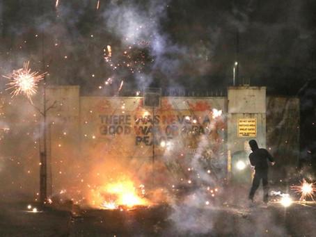 Brexit και Β. Ιρλανδία: Συγκρούσεις που θυμίζουν άλλη εποχή