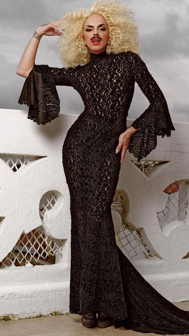 BLACK FLOWER VELVET GOWN