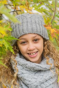 Porträttfoto ute på hösten