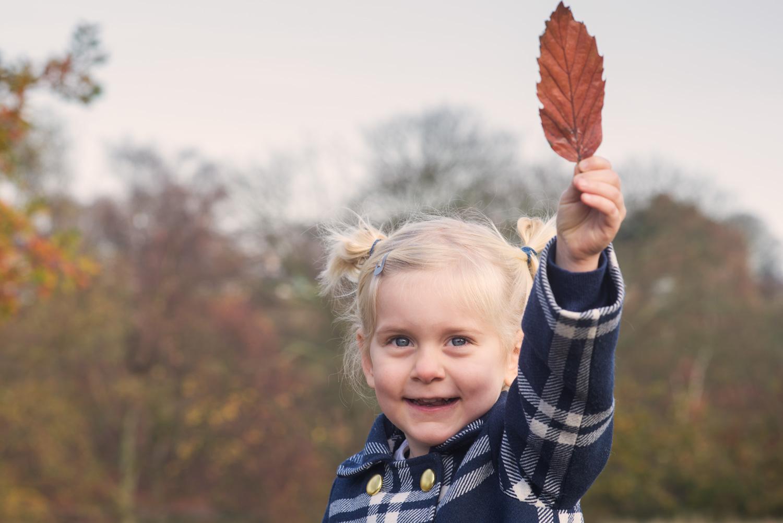 Barnfoto utomhus höst