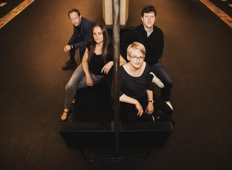 Fee Stracke - Musik in Möbeln