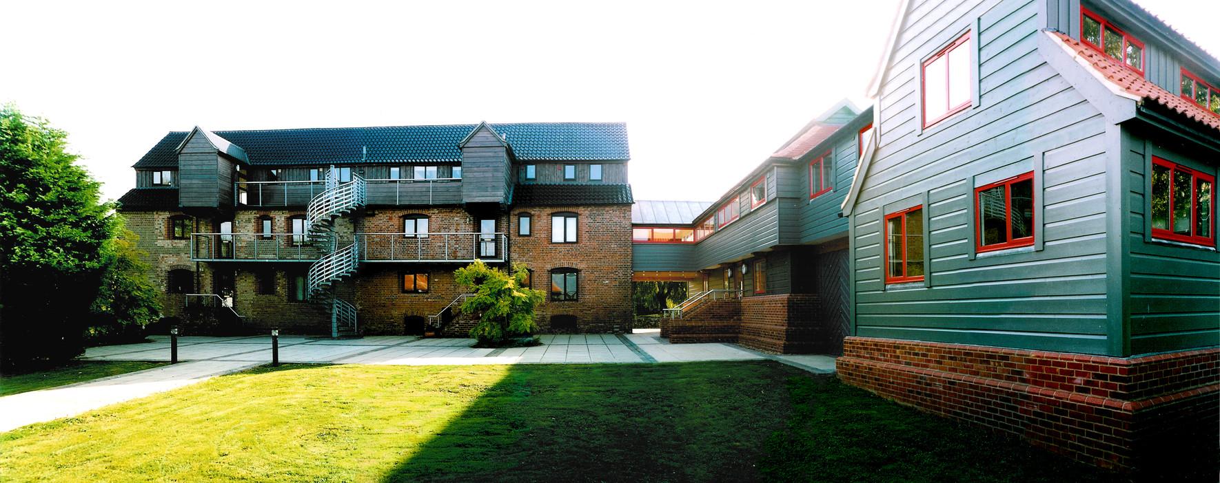 CB00-courtyard04flat.jpg